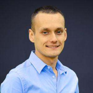 Tomasz Biliśnki - Fizjoterapeuta, Instruktor ICB Medical Poland, absolwent kursu Globalnej Terapii Stopy, entuzjasta koncepcji strukturalnej pracy z ciałem